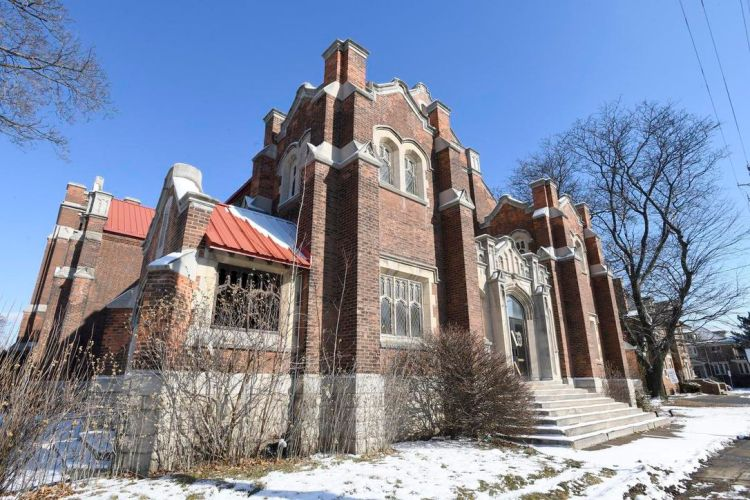 St. Giles (85 Holton Ave. S.) photographed in Winter, 2021 by Cathie Coward / Hamilton Spectator